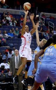 WNBA: Sky v Mystics